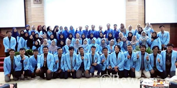 83 Mahasiswa Mendapatkan Penghargaan Pada Acara Milad FMIPA