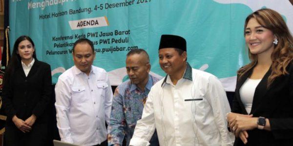 Wagub Uu Buka Konferensi Kerja PWI Jawa Barat